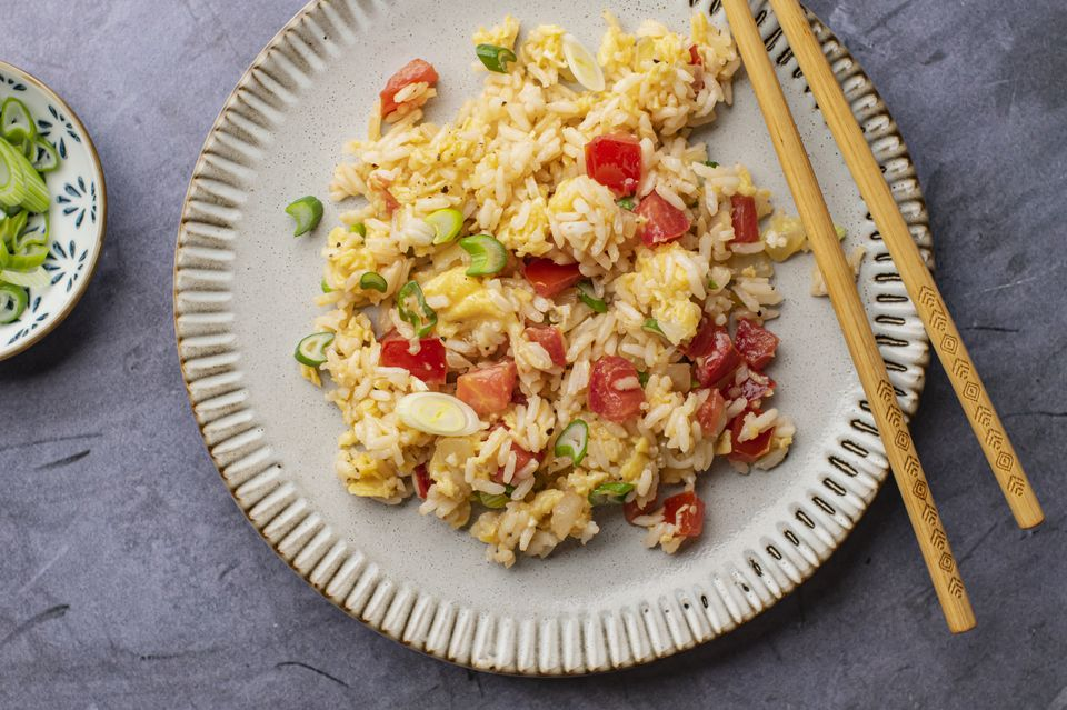 Tomato egg fried rice recipe