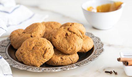 Grape molasses cookies (moustokouloura)