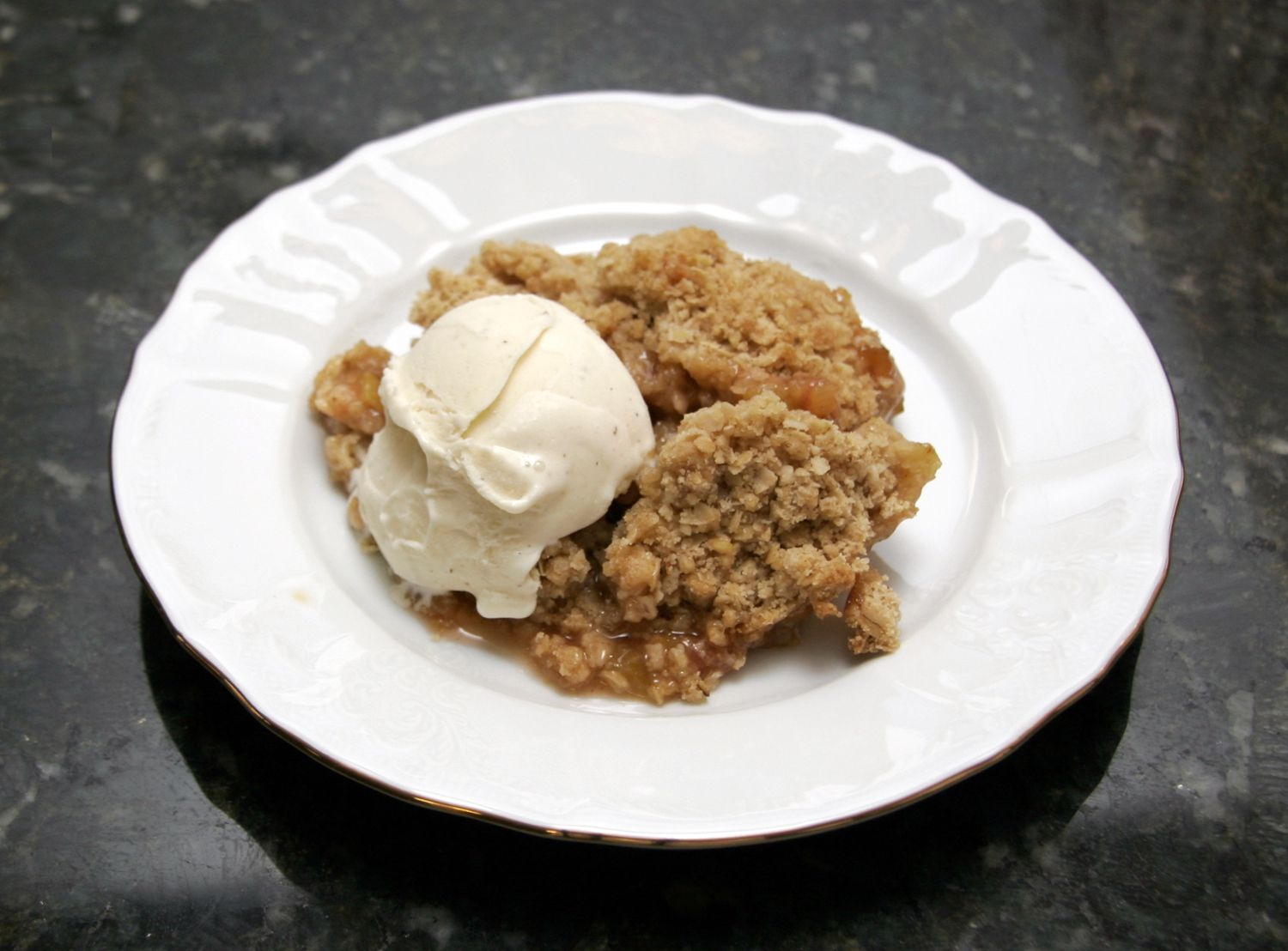 Rhubarb Crisp With Crunchy Oat Topping