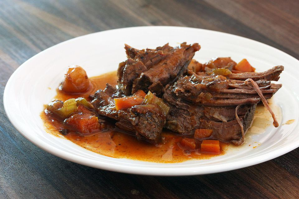 Pot Roast With Wine and Tomatoes