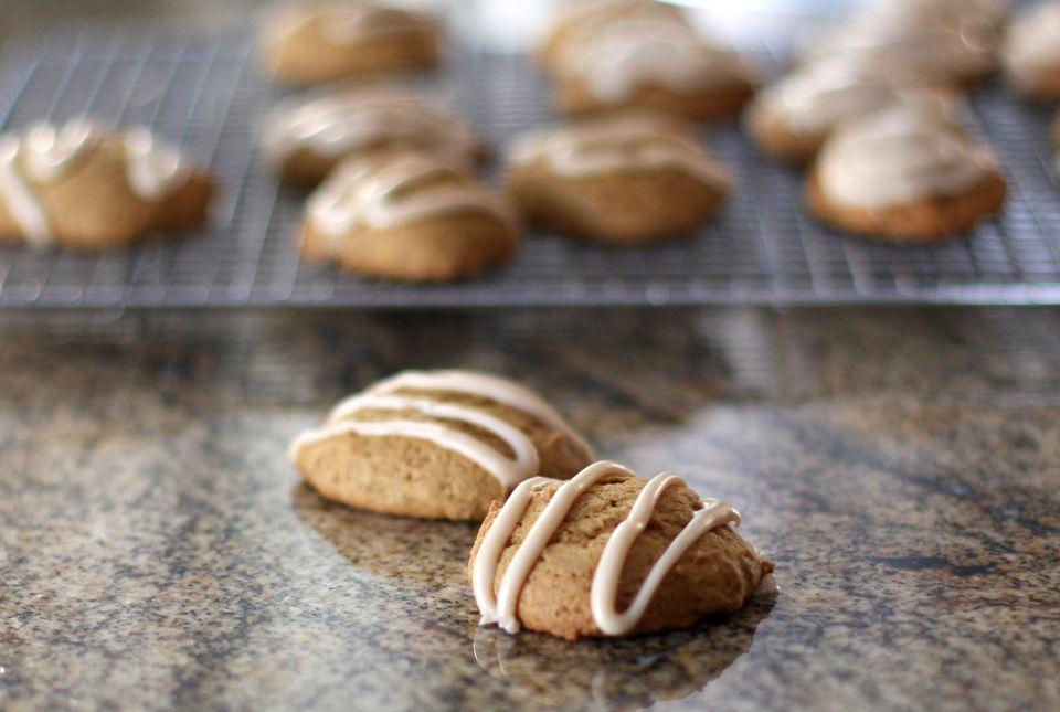 Galletas suaves de calabaza con glaseado de mantequilla marrón