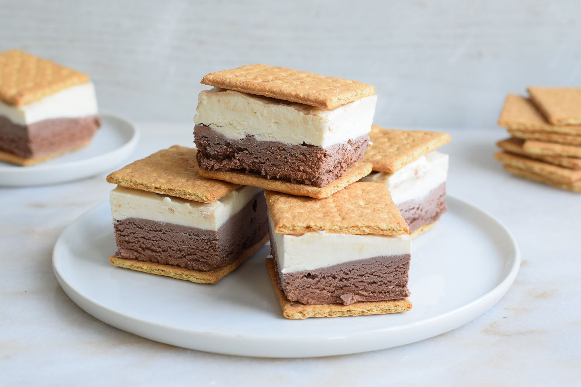 No Fire Needed to Make These Epic Frozen S'mores