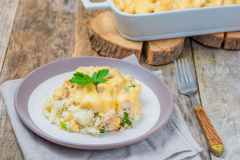 Low-carb chicken and cauliflower casserole