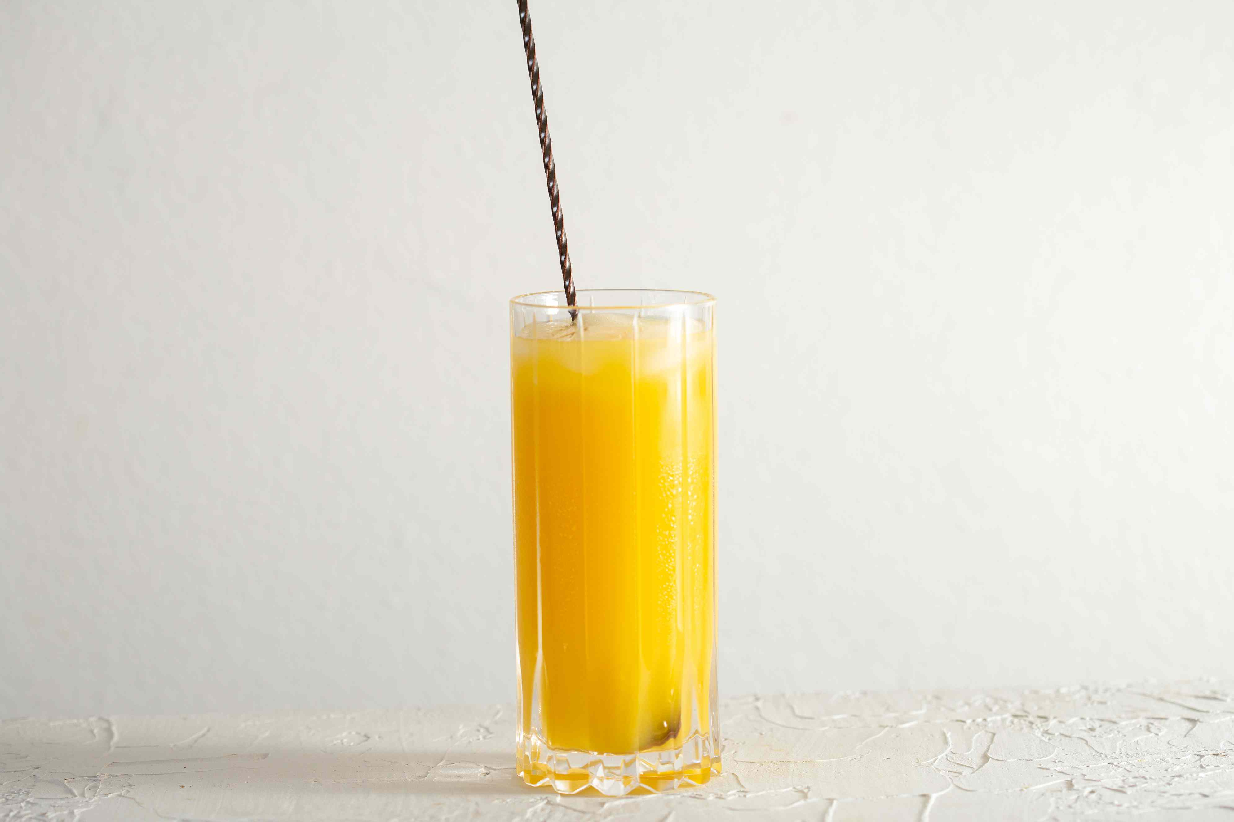 Stir well to mix the screwdriver