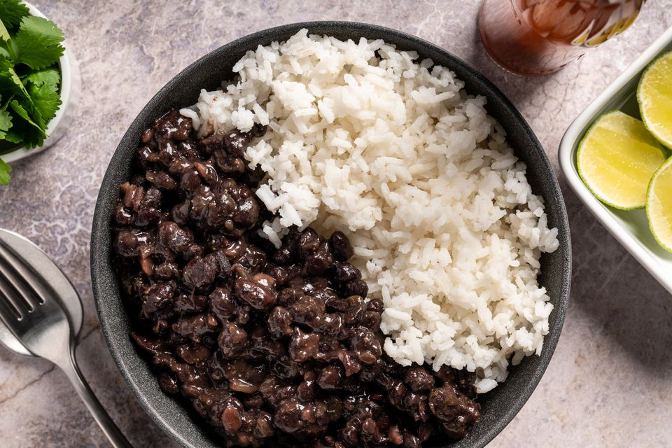 Moros y Cristianos (Black Beans and White Rice)