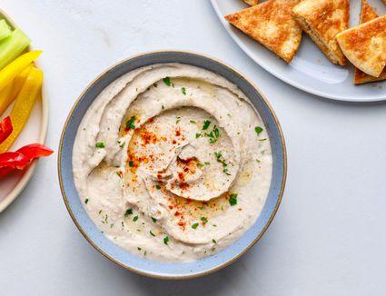 White Bean Hummus Dip (Gluten-free)