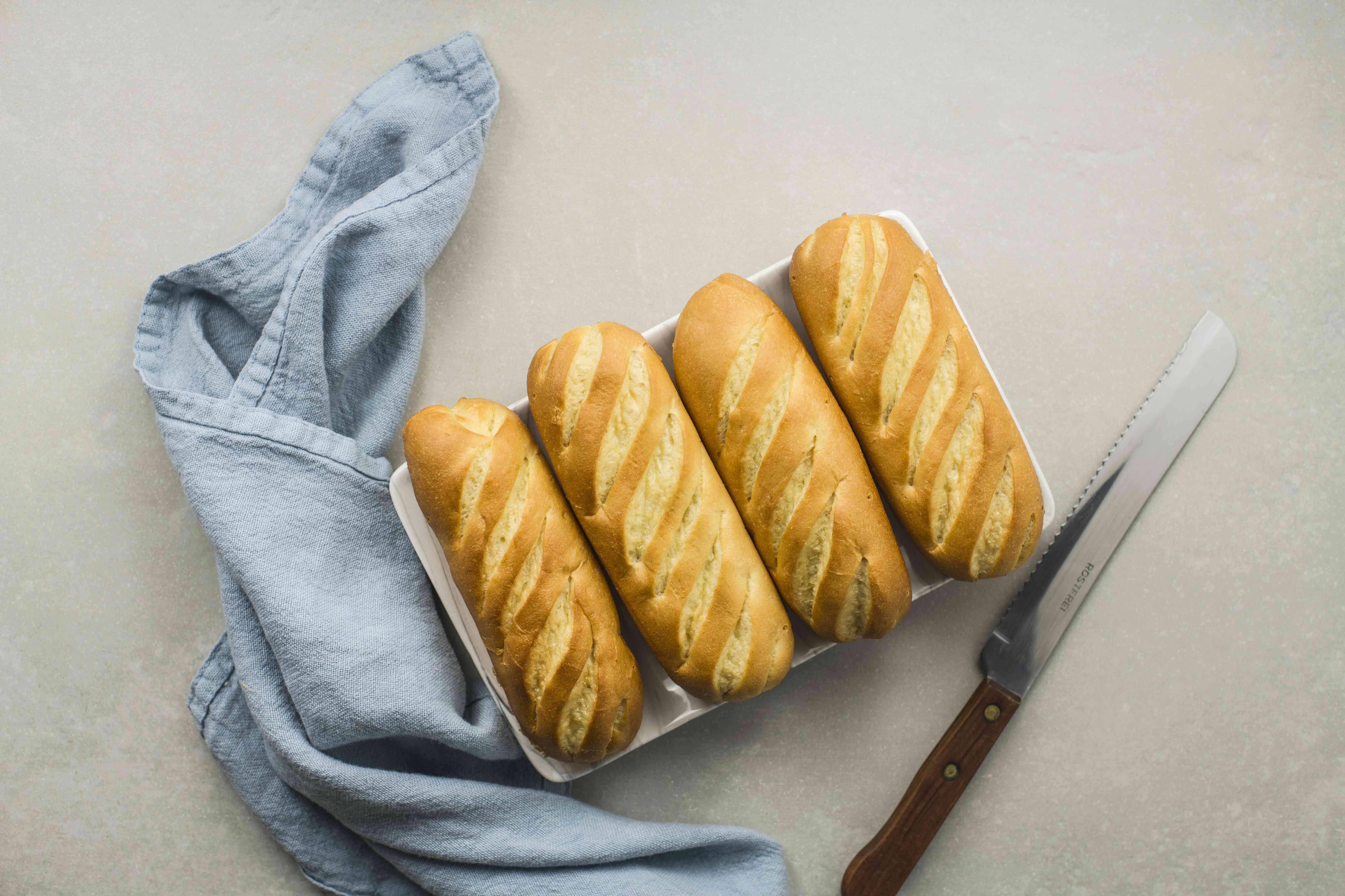 Slice baguettes