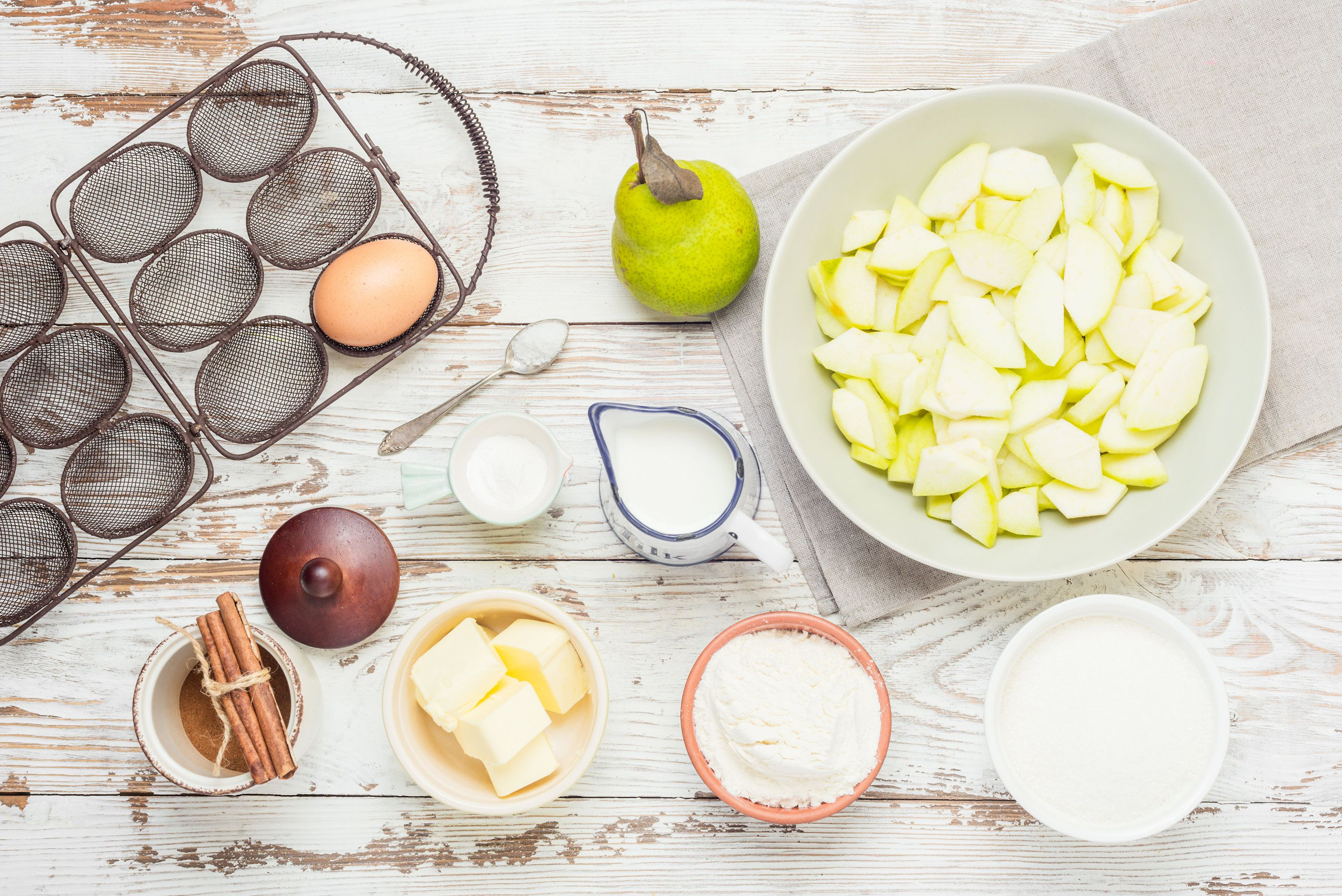 Ingredients for making a pear cobbler