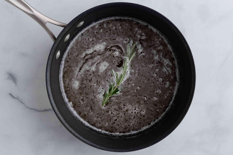 beer, lemon juice, salt, and rosemary in a large saucepan