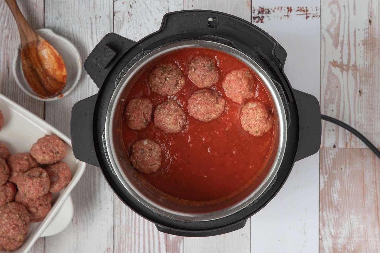 Meatballs in the Instant Pot pressure cooker