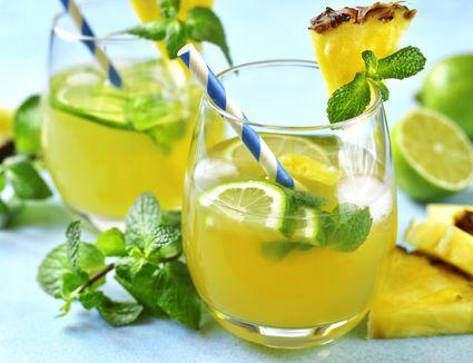 Pineapple detox tonic in glass