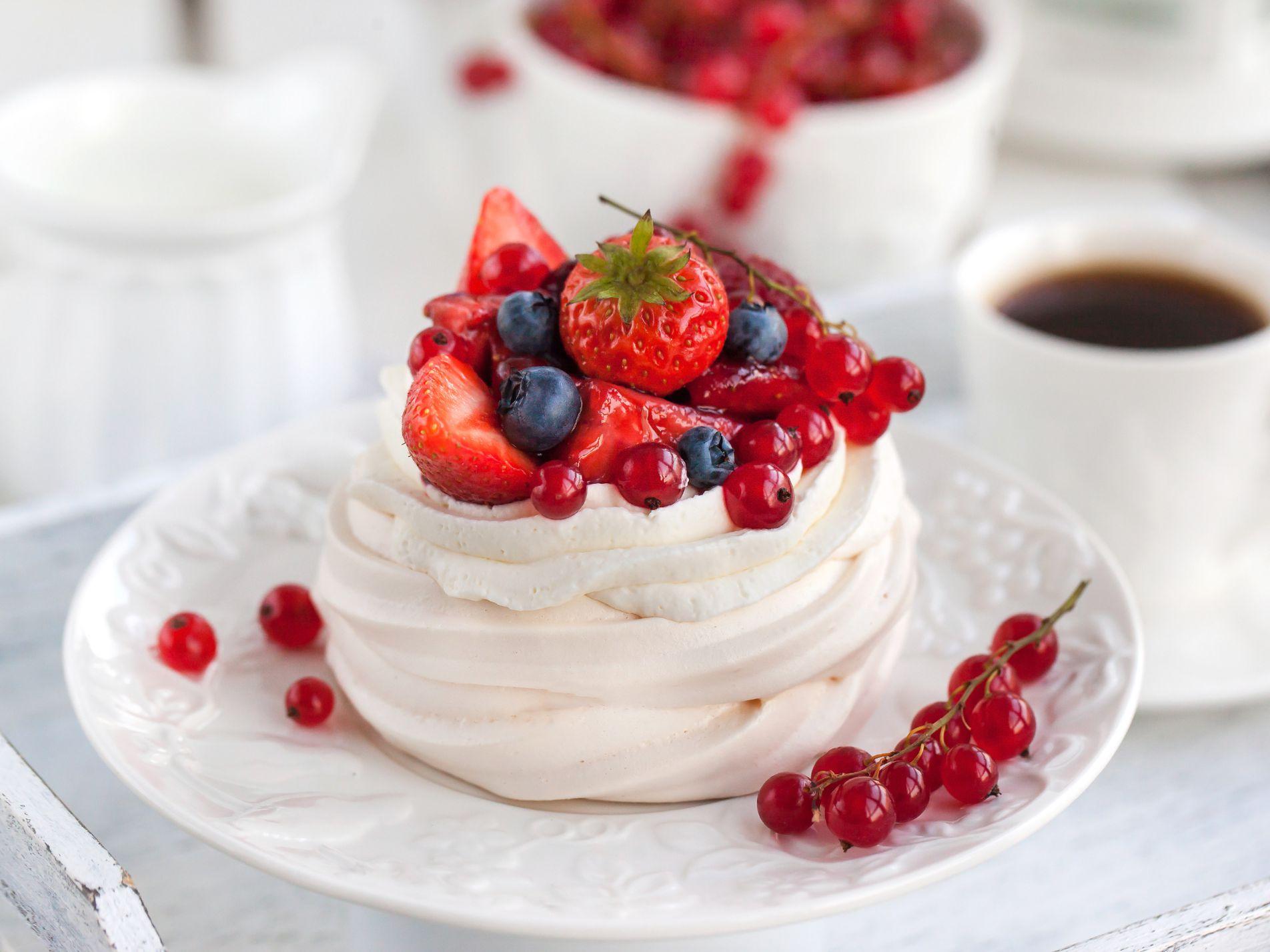 dessert recipes new zealand New Zealand Pavlova