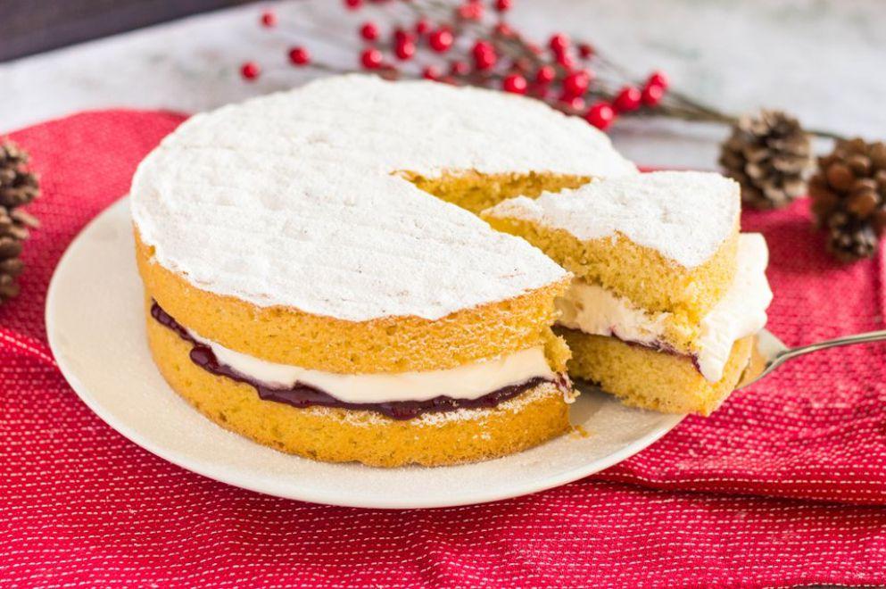 Christmas Spiced Victoria Sponge Cake