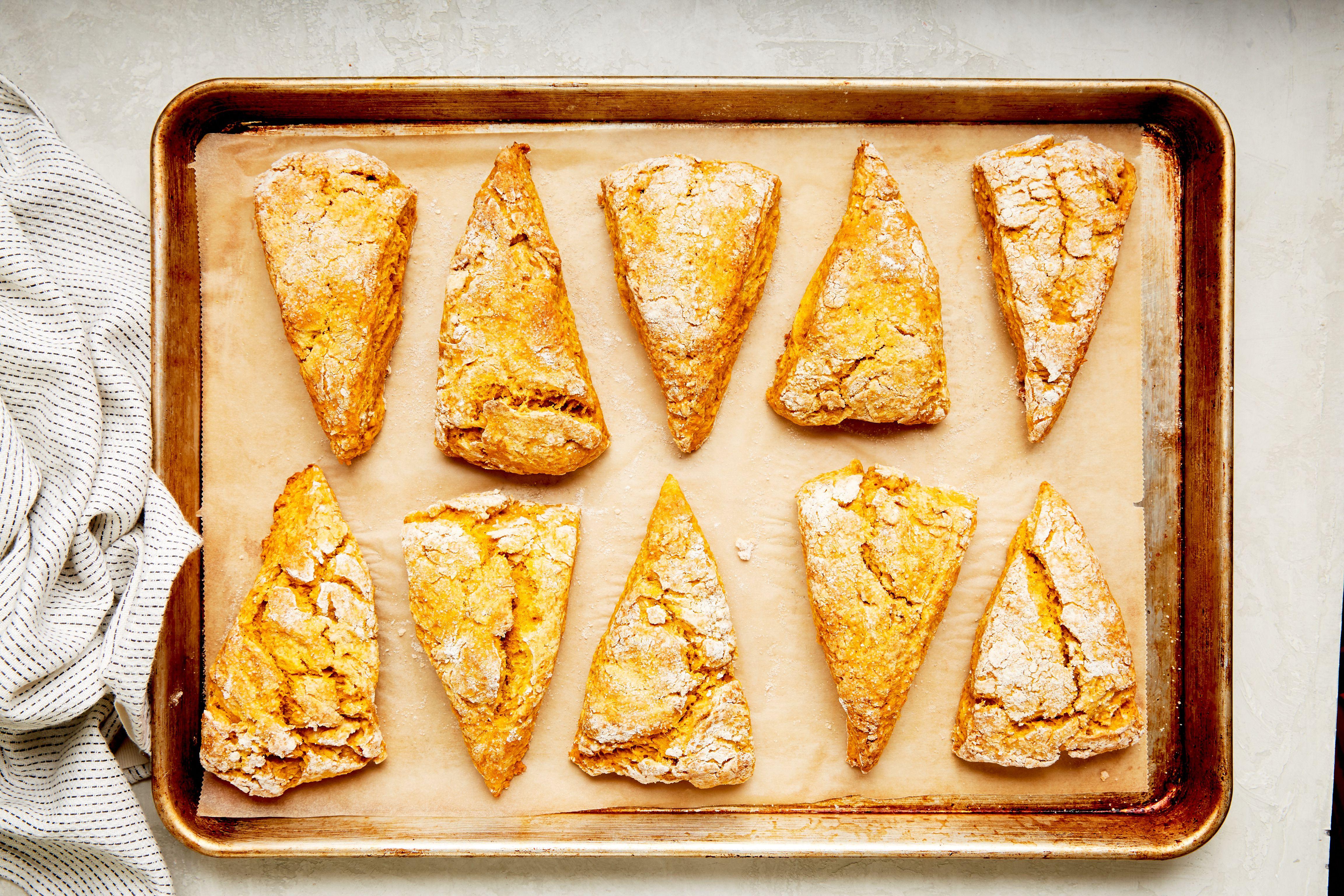 Bake pumpkin scones
