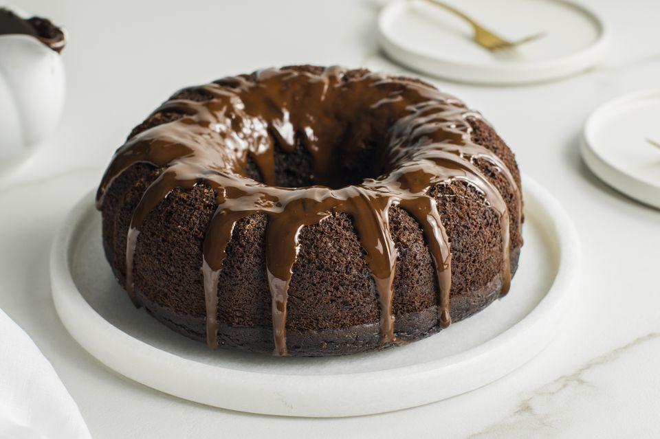 Vegan chocolate pumpkin bundt cake