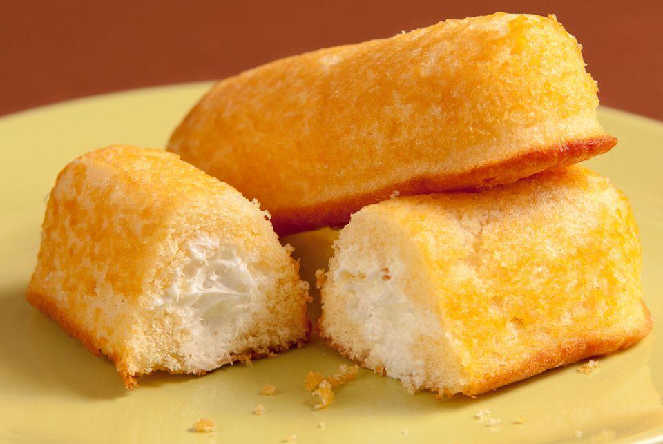 Twinkie snack cakes