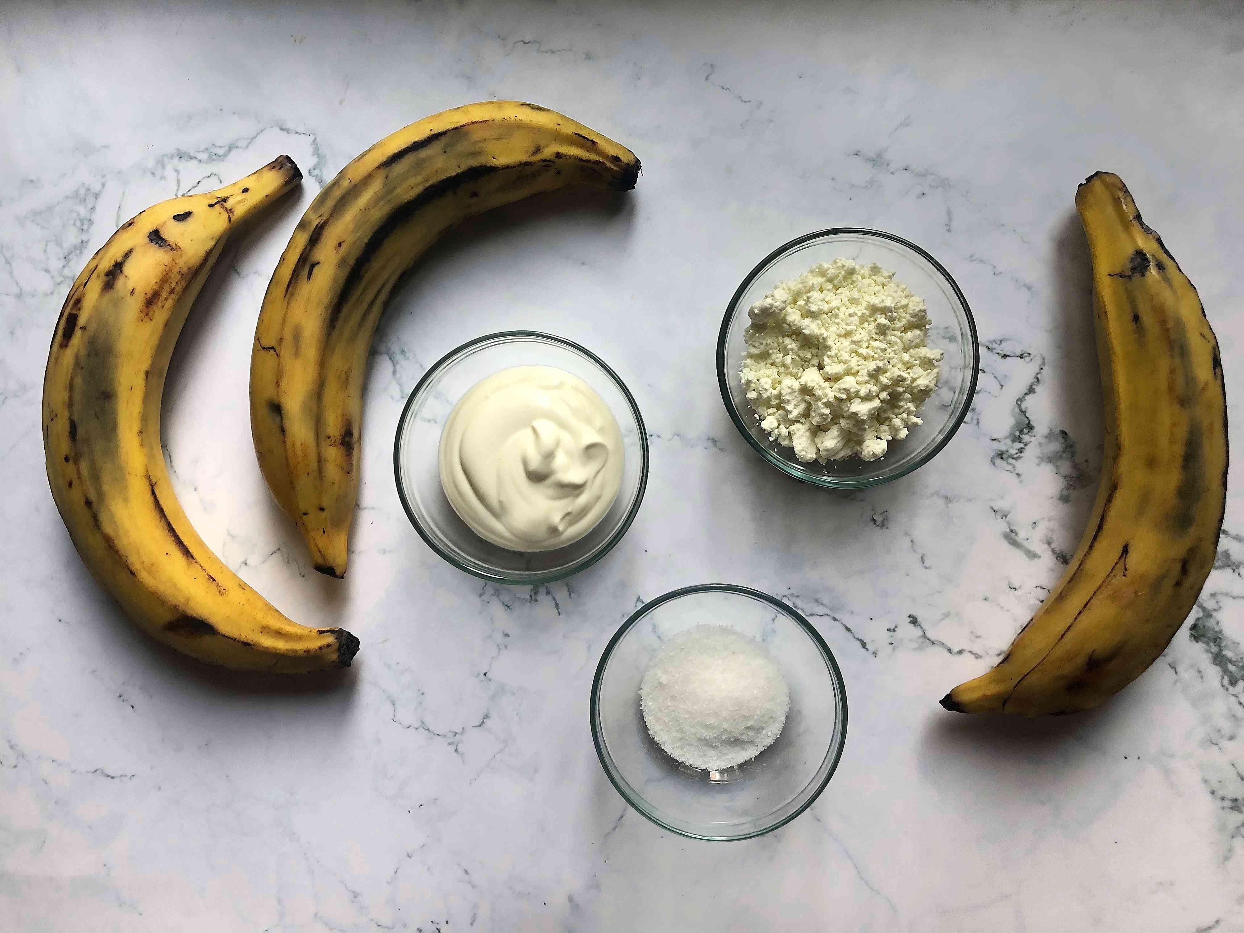 Plátanos Horneados con Queso y Crema ingredients
