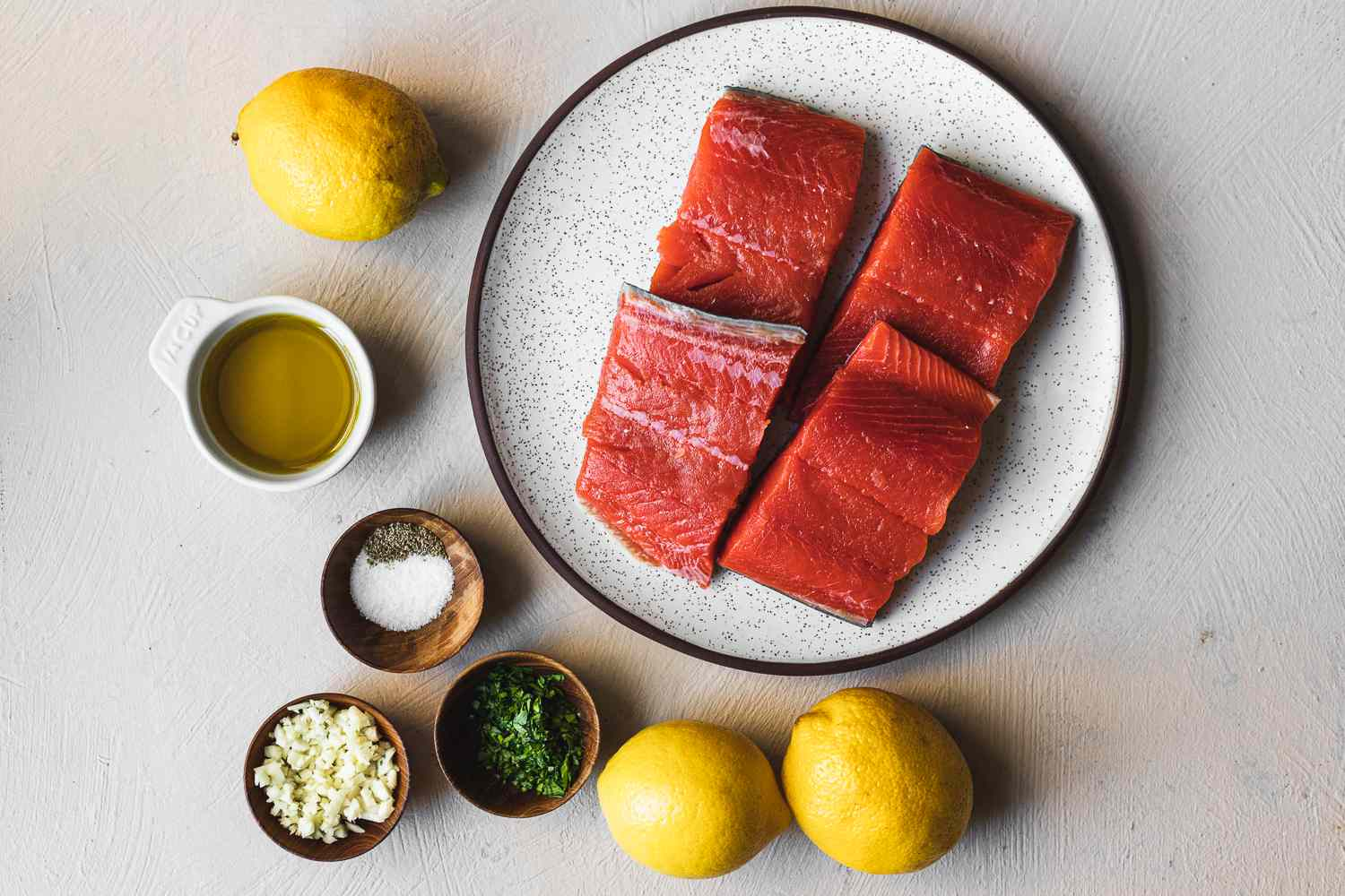 Ingredients for baked salmon with garlic