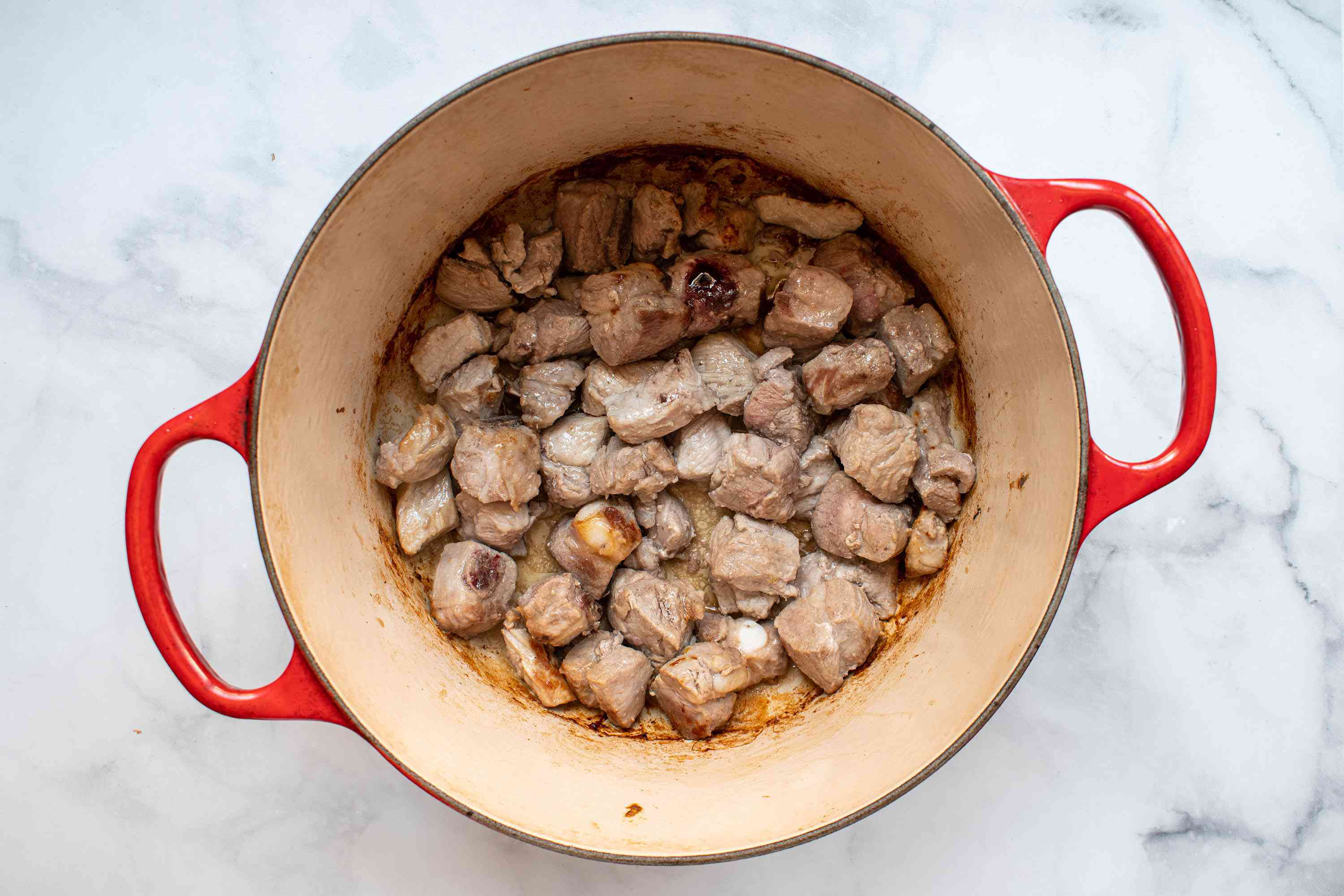 cook meat in a dutch oven