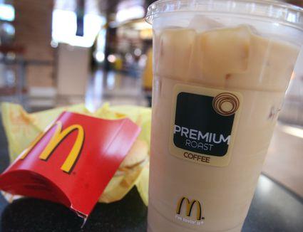 Starbucks' Iced Skinny Vanilla Latte Review