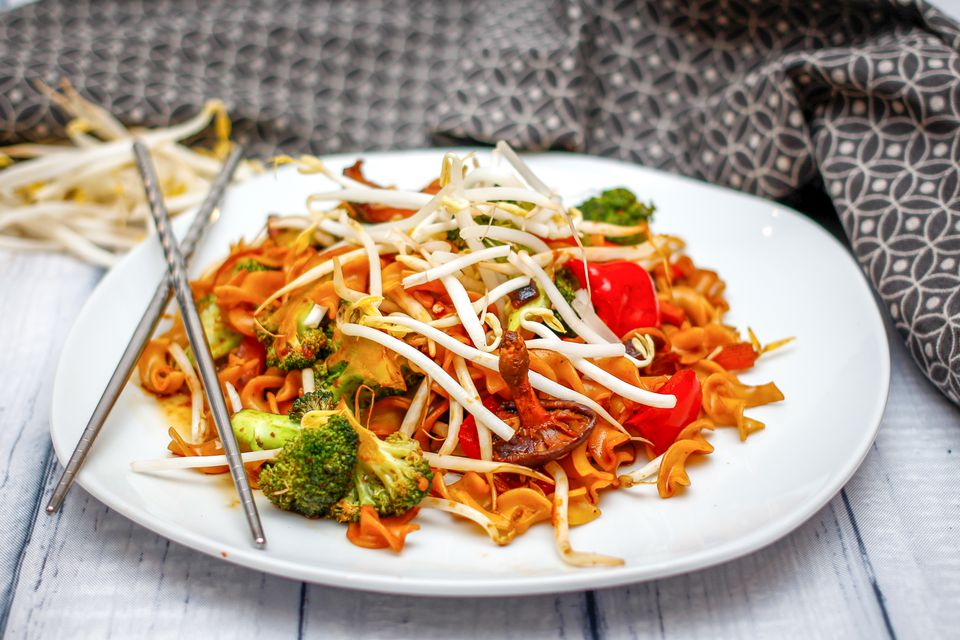 Thai Stir-Fried Noodles With Vegetables Recipe