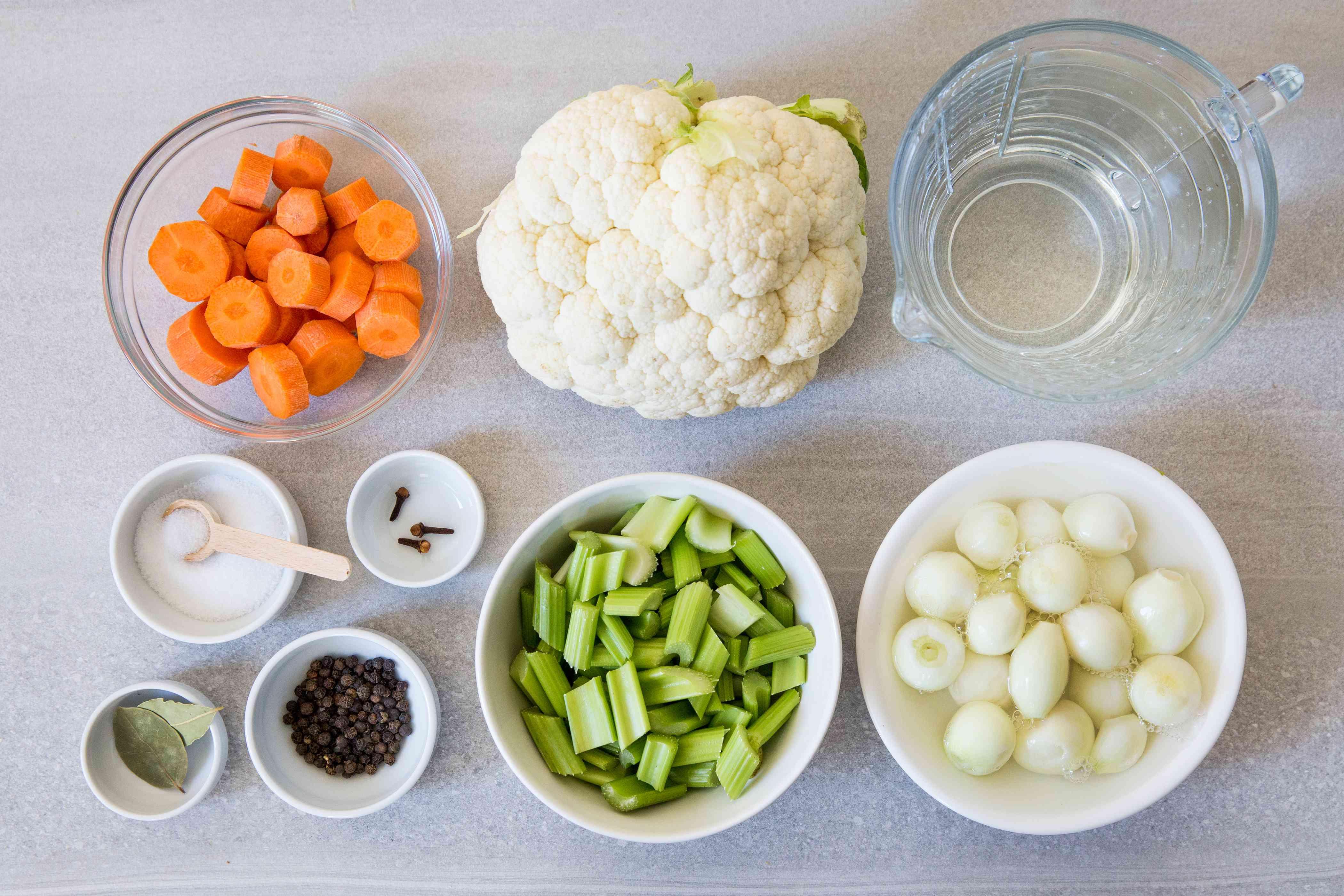 Giardiniera (Italian pickled vegetables) ingredients