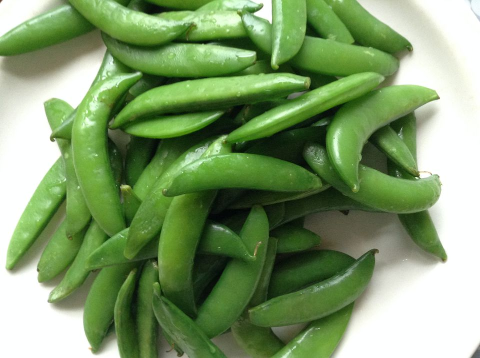 Snap peas in bowl