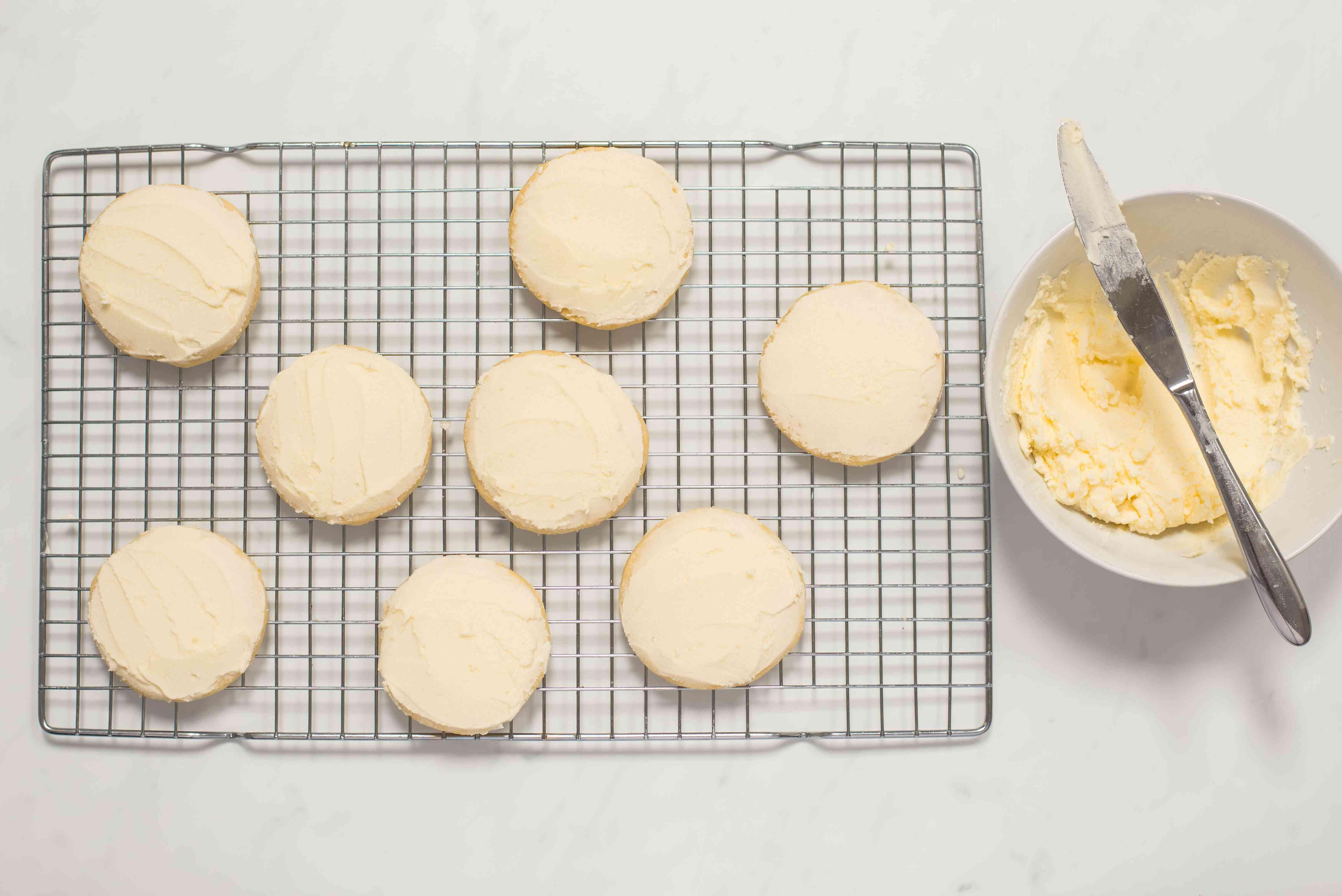 Frost cookies