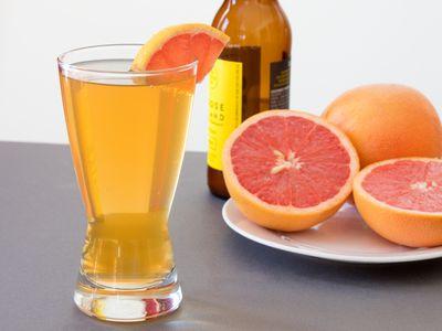 Easy Summer Shandy Drink Recipe