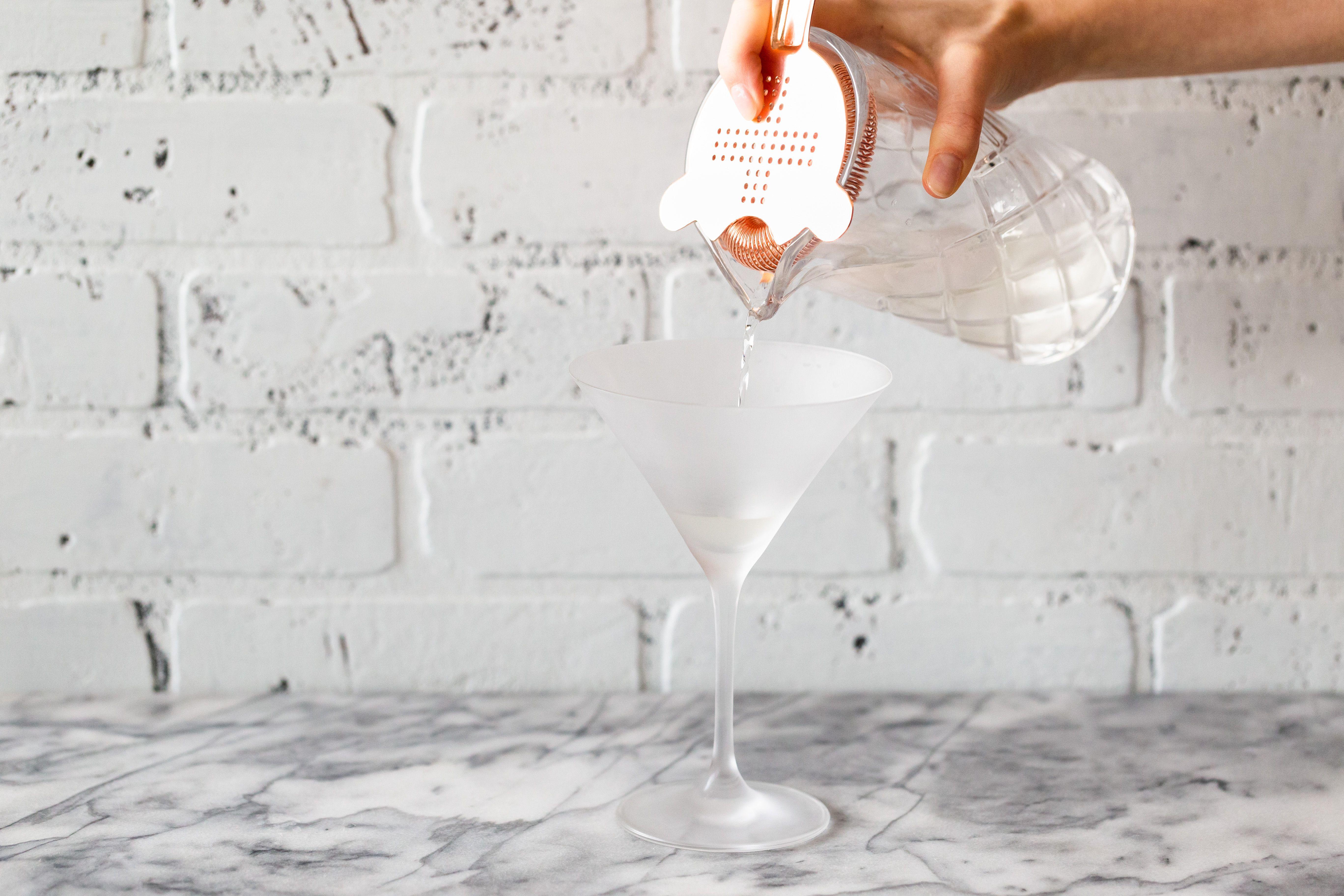 Straining the Gibson gin martini