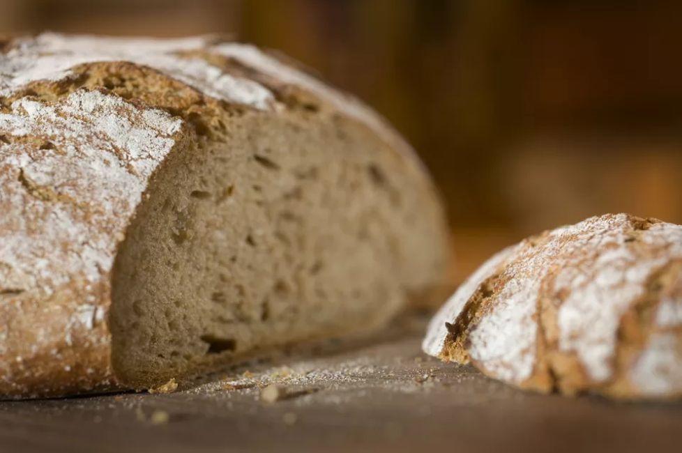 German Black Forest Bread (Schwarzwaelder Kruste)