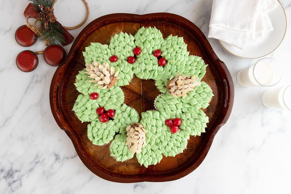 Christmas cupcake wreath recipe
