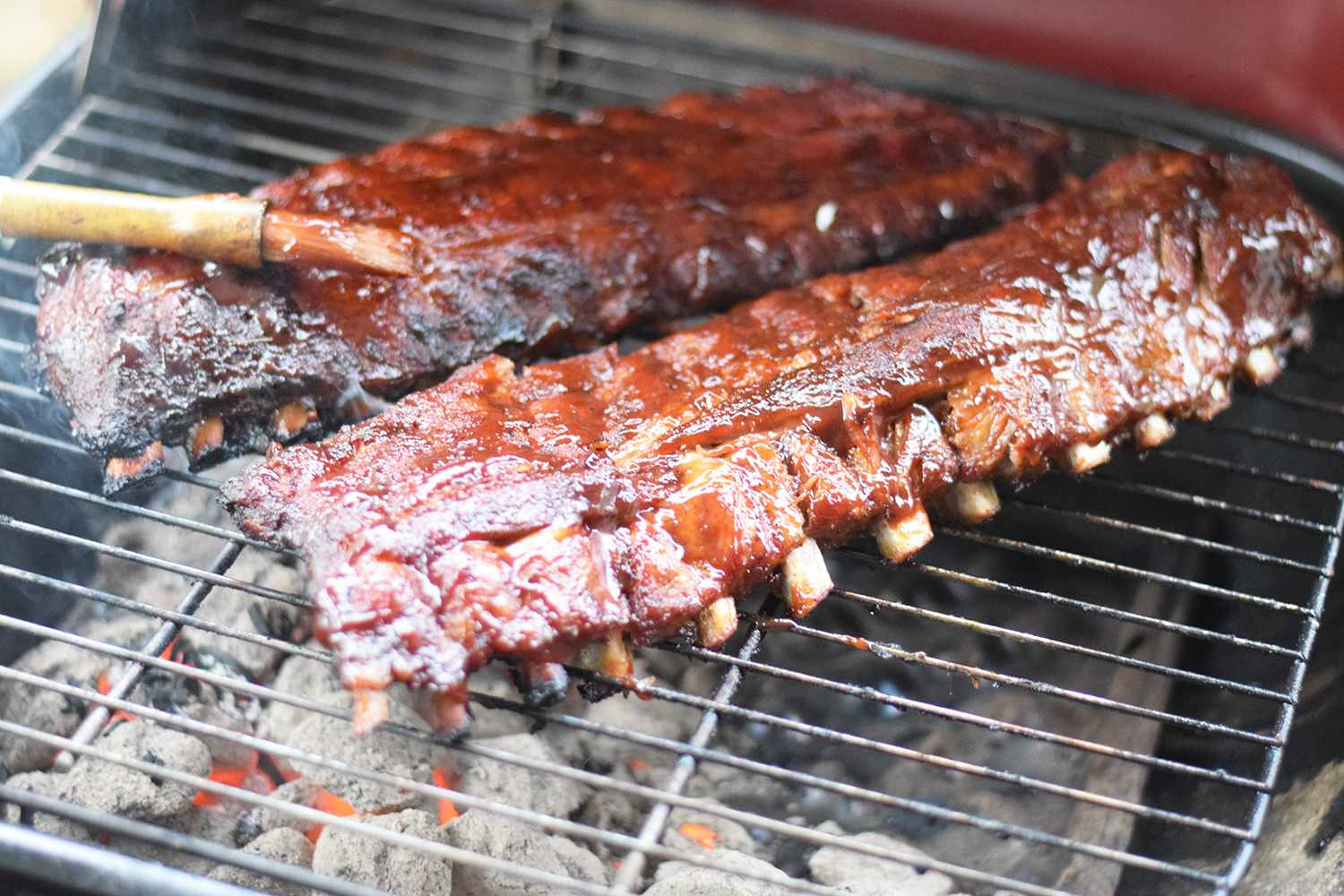 How To Make Barbecue Ribs On A Charcoal Grill