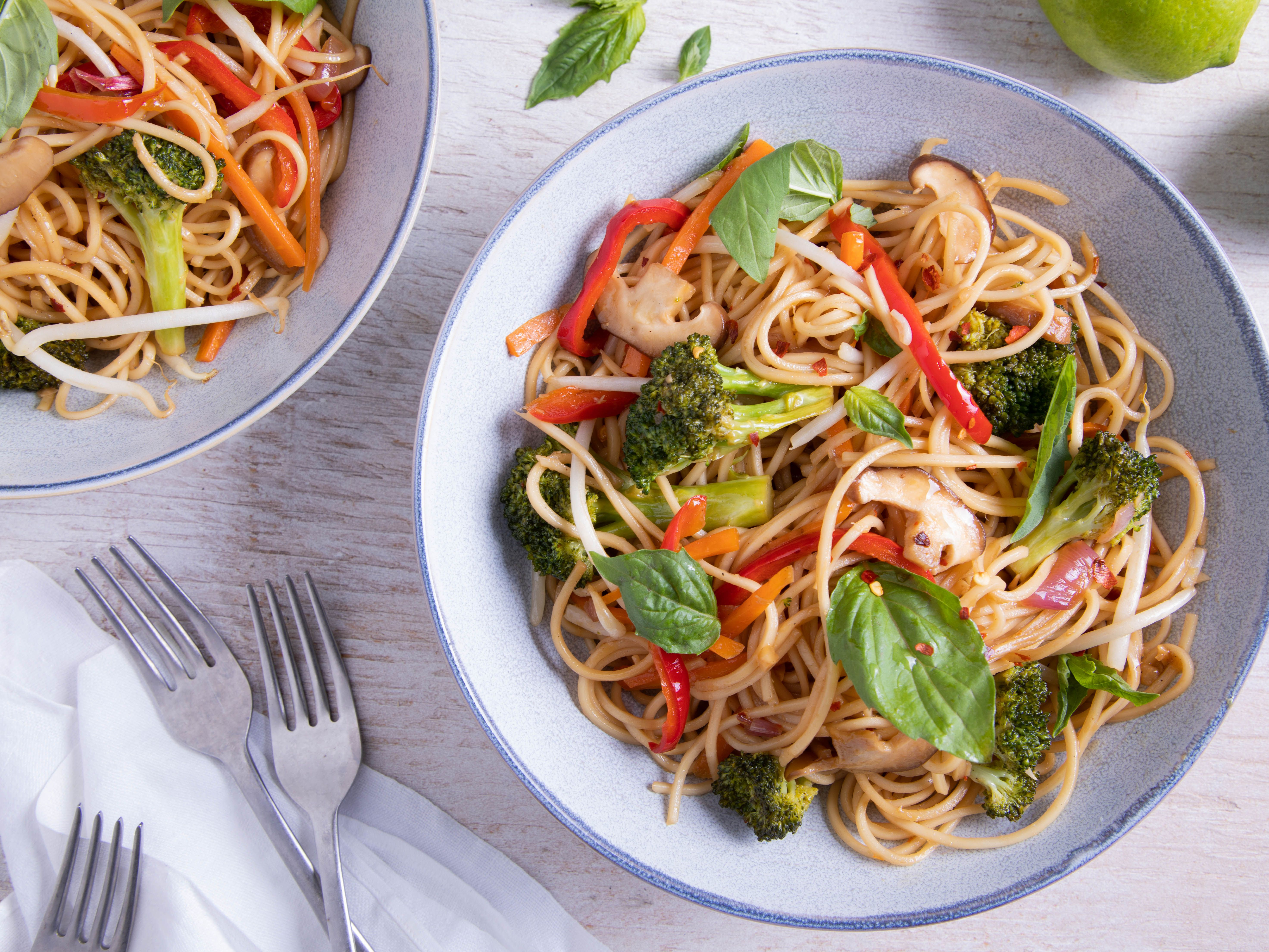 Thai Stir Fried Noodles With Vegetables Recipe