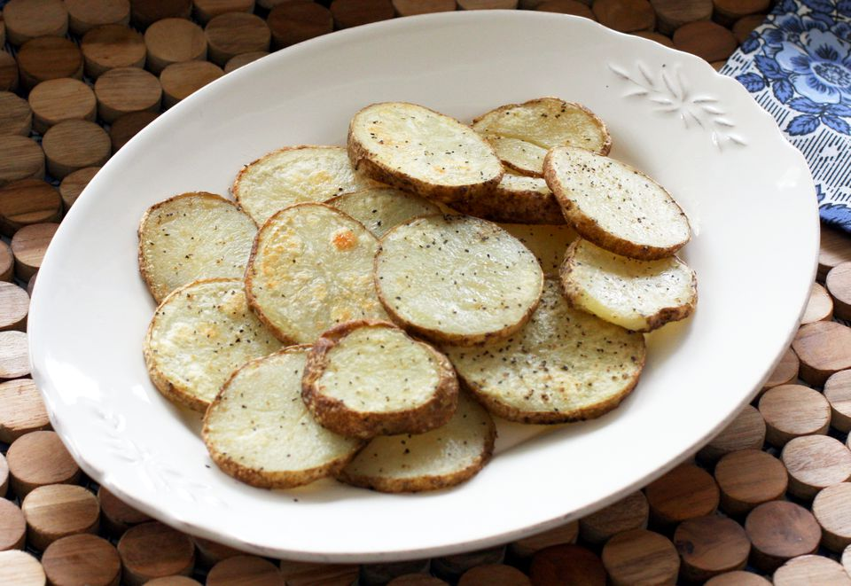 roasted baked potato slices