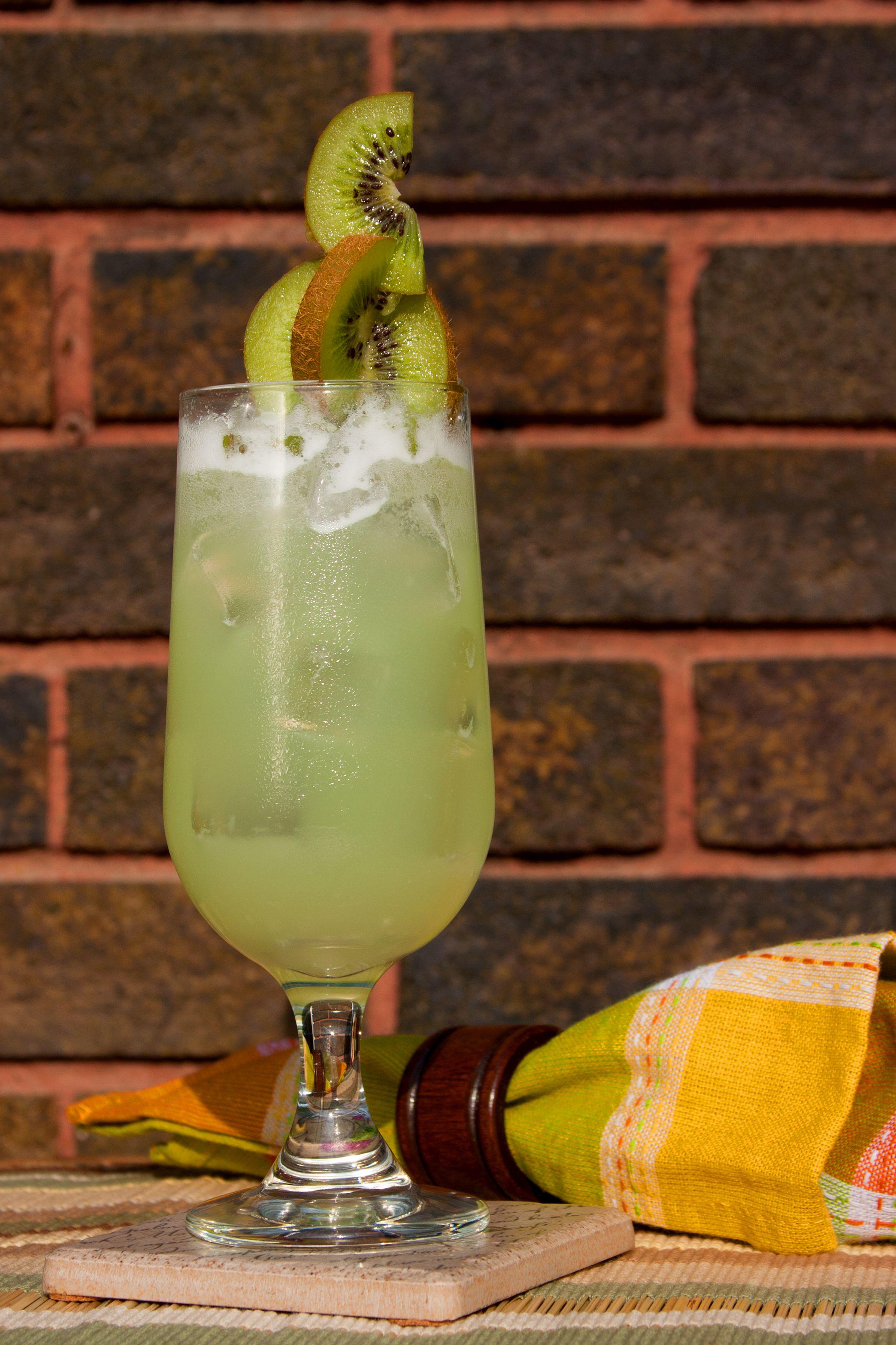 green lemonade non alcoholic drink recipe. Black Bedroom Furniture Sets. Home Design Ideas
