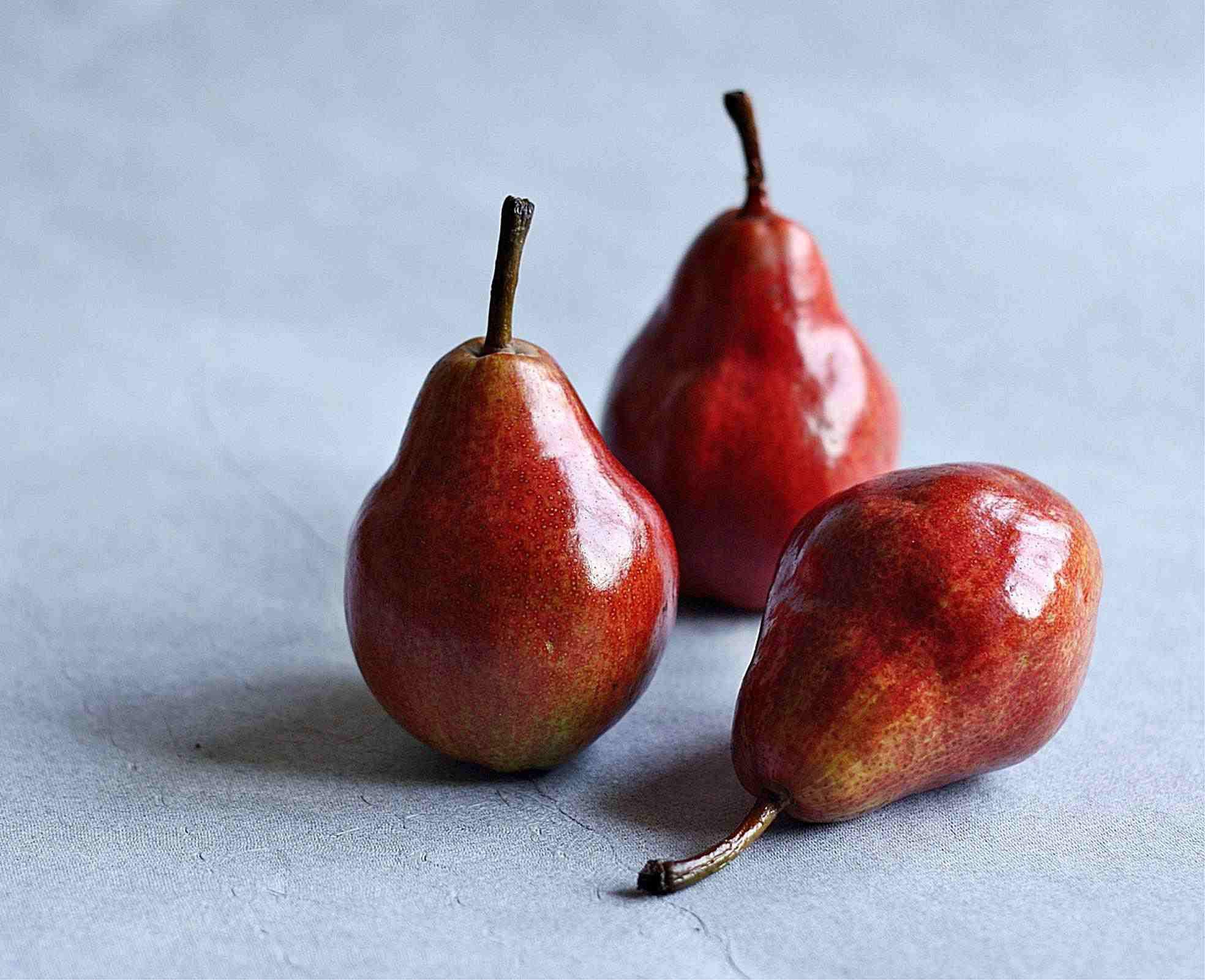 Red Pears (Anjou)