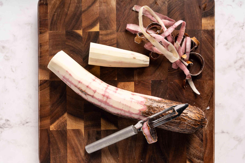 Peel cassava (yuca)