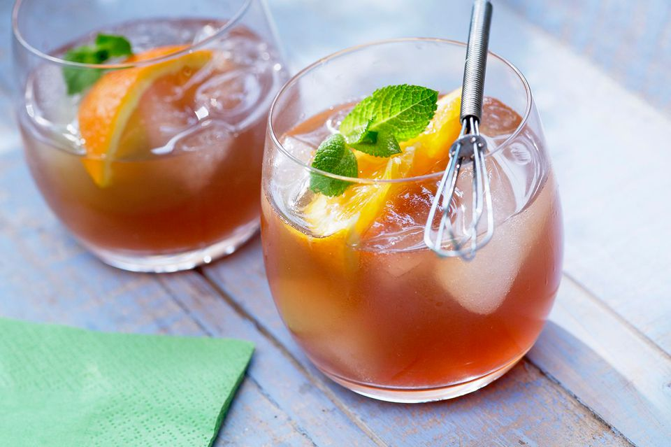 Summer Peach Tea With Canadian Club Whisky