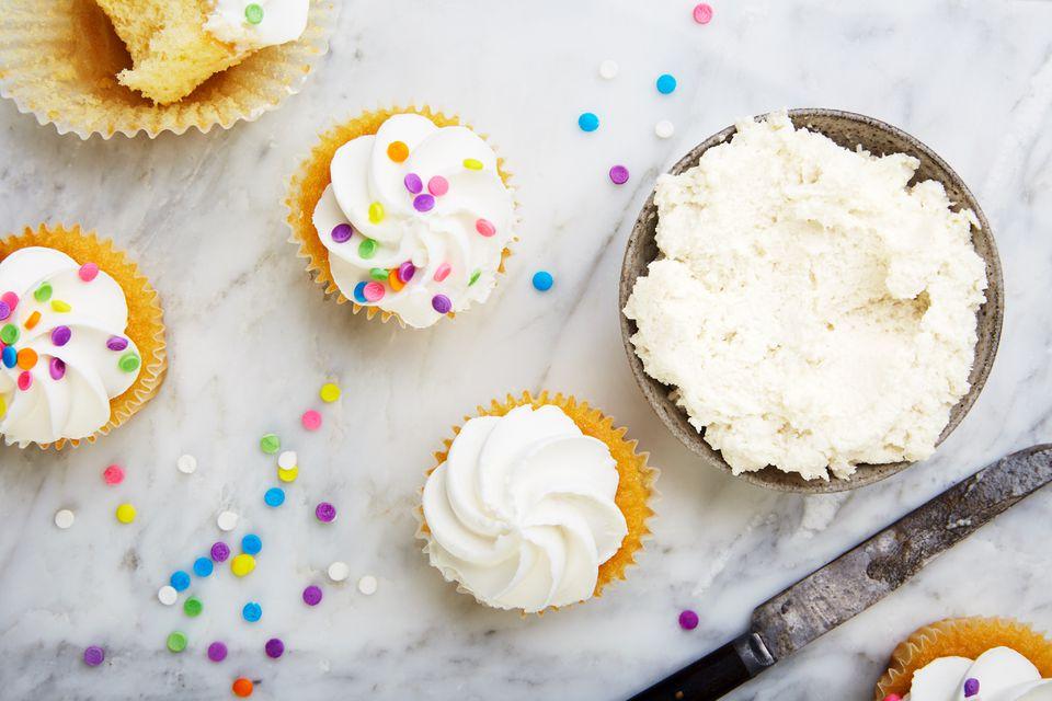 Easy vegan vanilla frosting