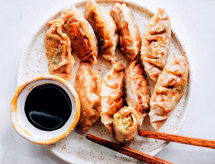 Yachae Mandoo (Korean Vegetarian Dumplings)