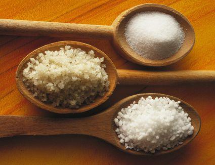Coarse and fine sea salts