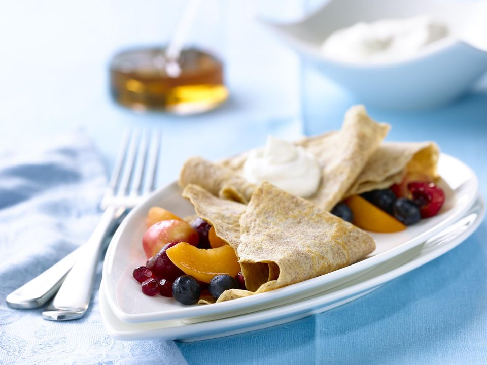 crepes stuffed with fruit