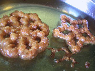 rosettes frying in oil