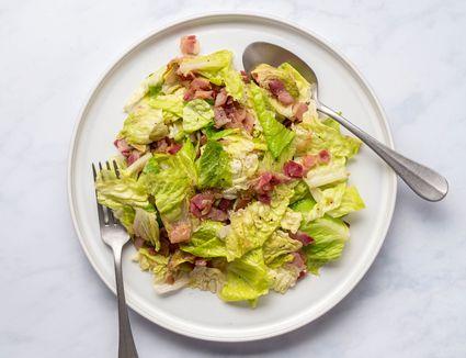 Polish Wilted Lettuce Salad (Salata z Boczkiem)