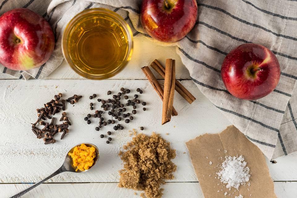 Ingredients for apple brine