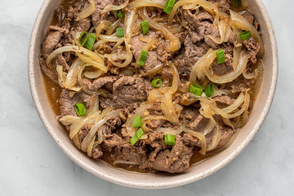 Garlicky Filipino Bistek (Bistek Tagalog)
