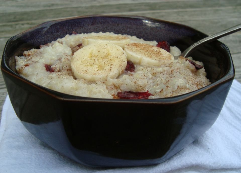 Quinoa pudding recipe with bananas and raisins or cranberries