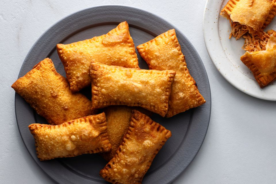 Brazilian Pasteis With Chicken (Pastel Frito de Frango)