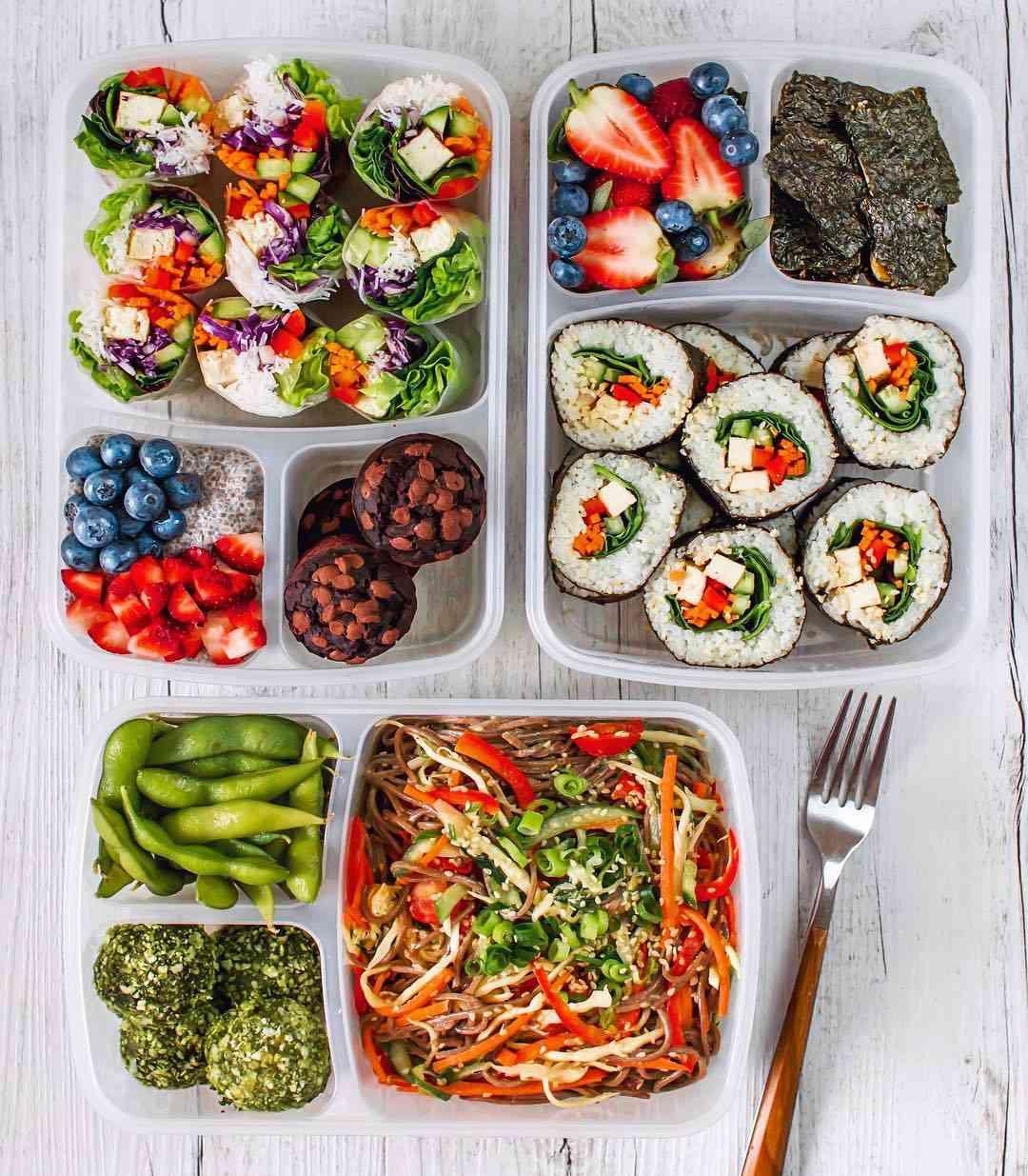 Vegan sushi lunch - @thrivingonplants